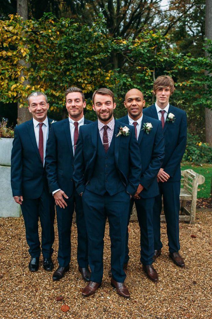 11-Cores-para-você-escolher-a-gravata-dos-padrinhos-681x1024