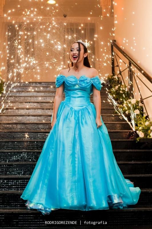 vestido de debutante 15 anos cinderela atelier ivana beaumond paris sob medida rj (11)