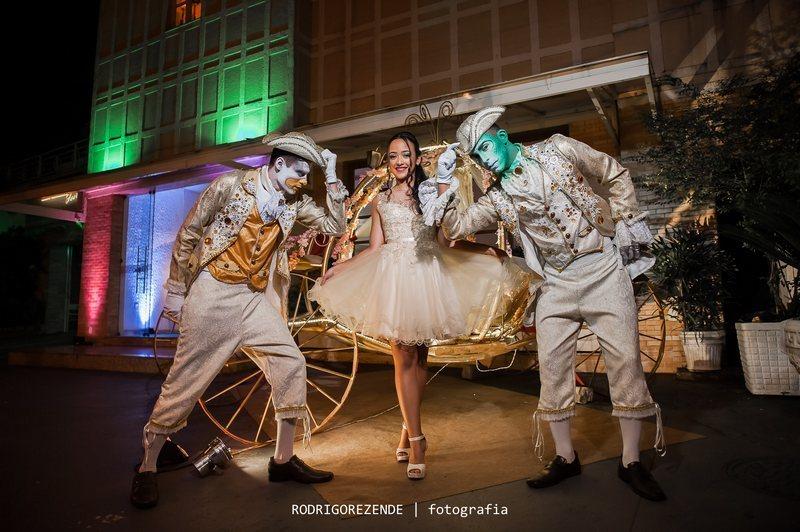 vestido de debutante 15 anos cinderela atelier ivana beaumond paris sob medida rj (7)