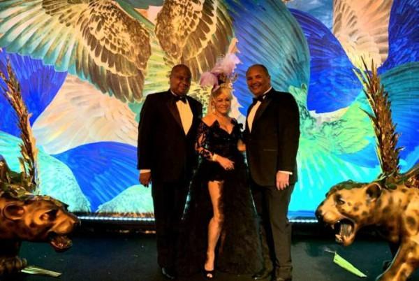 ivana beaumond no baile do copa 2020 vestido de noiva rj